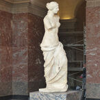 "Sklaer and Bibetch srl used 4 long range tunable Gobo projectors to highlight ""La Venus de Milo"" in Le Louvre."